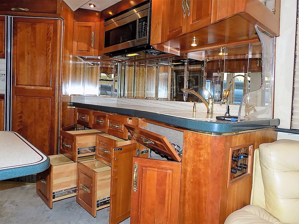 1998 Prevost Royale XL For Sale