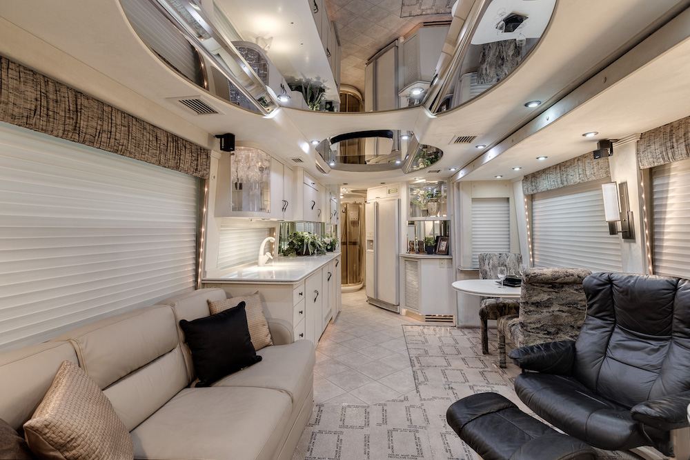 2000 Prevost Country Coach H3-45 For Sale