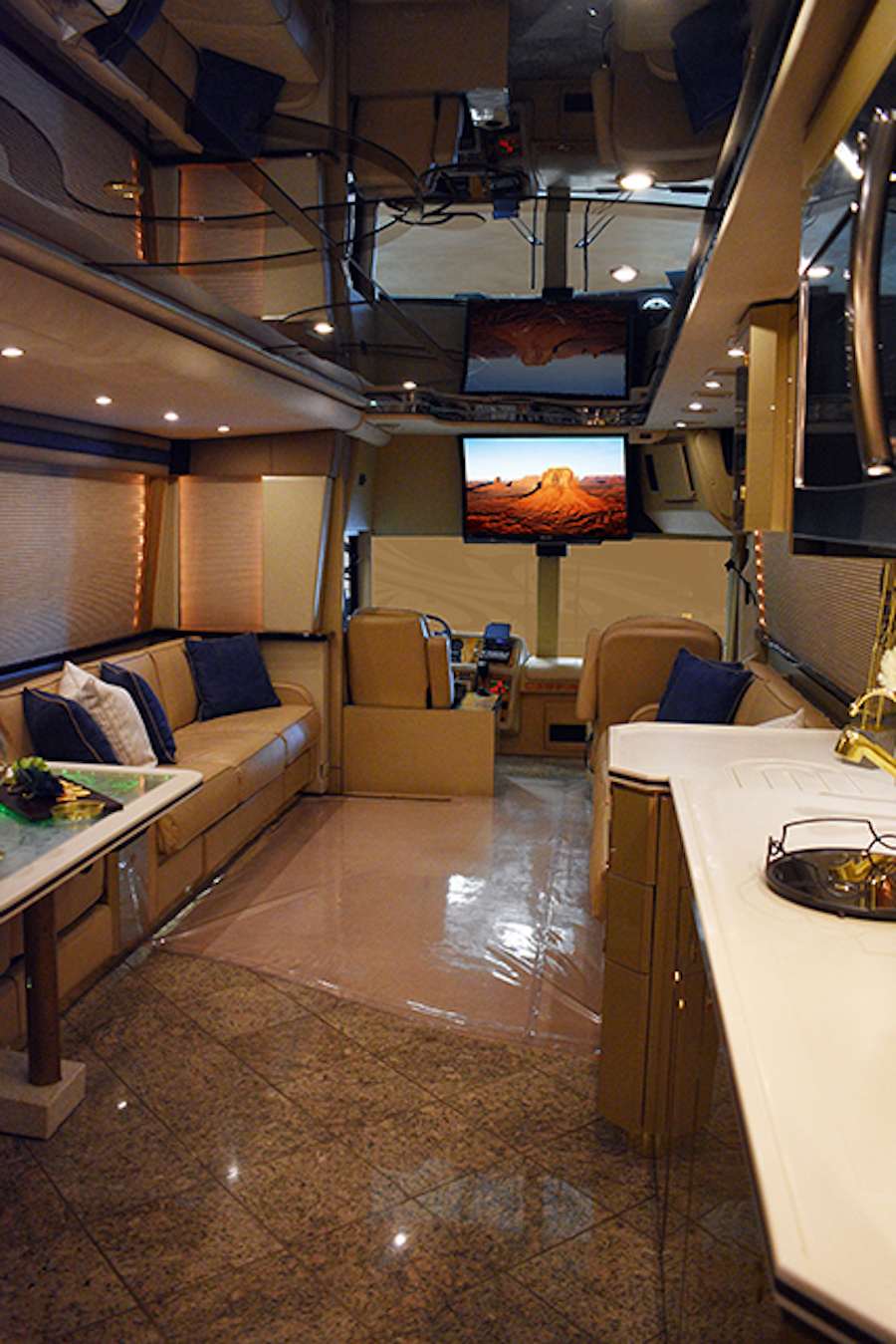 Motorcoach For Sale >> 2000 Prevost Featherlite XLDouble Slide