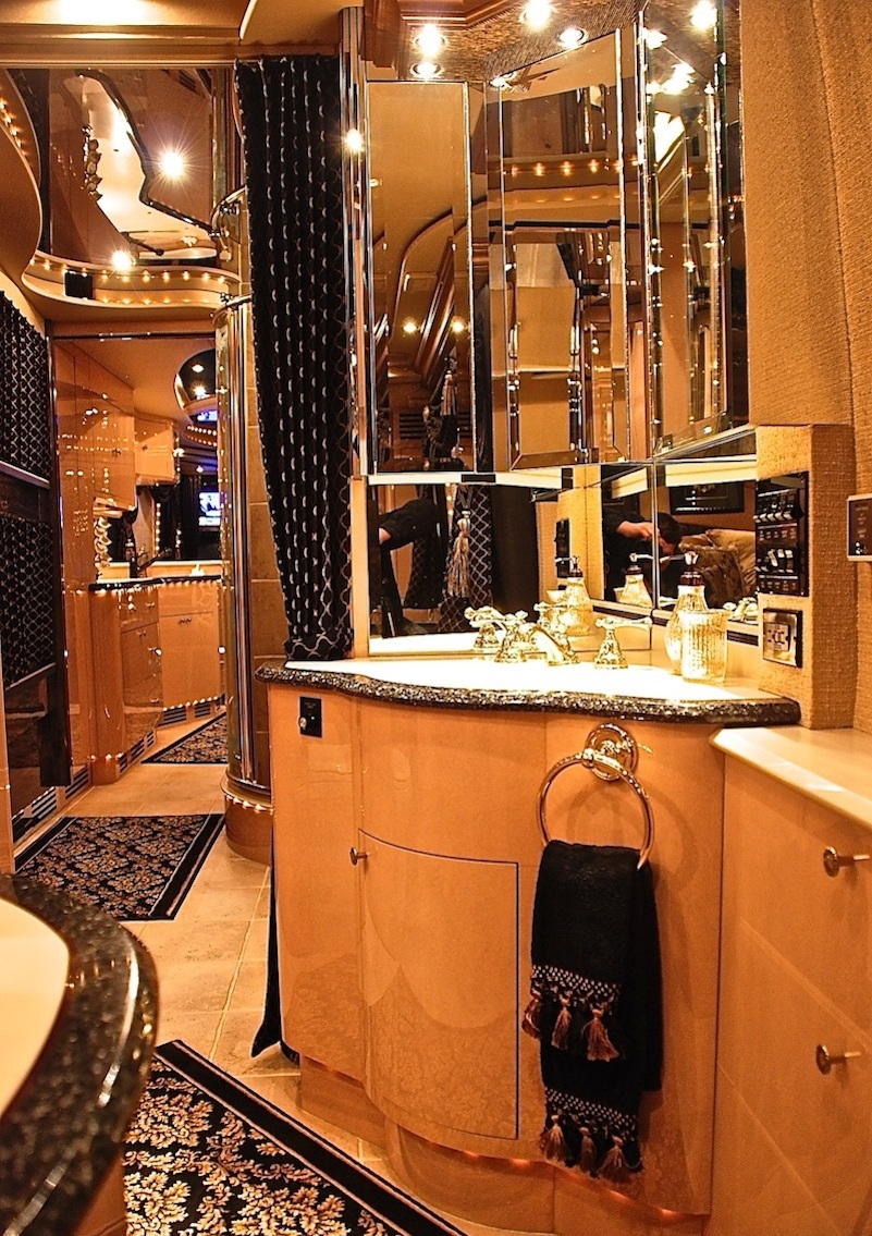 2000 Prevost Liberty H3-45 For Sale