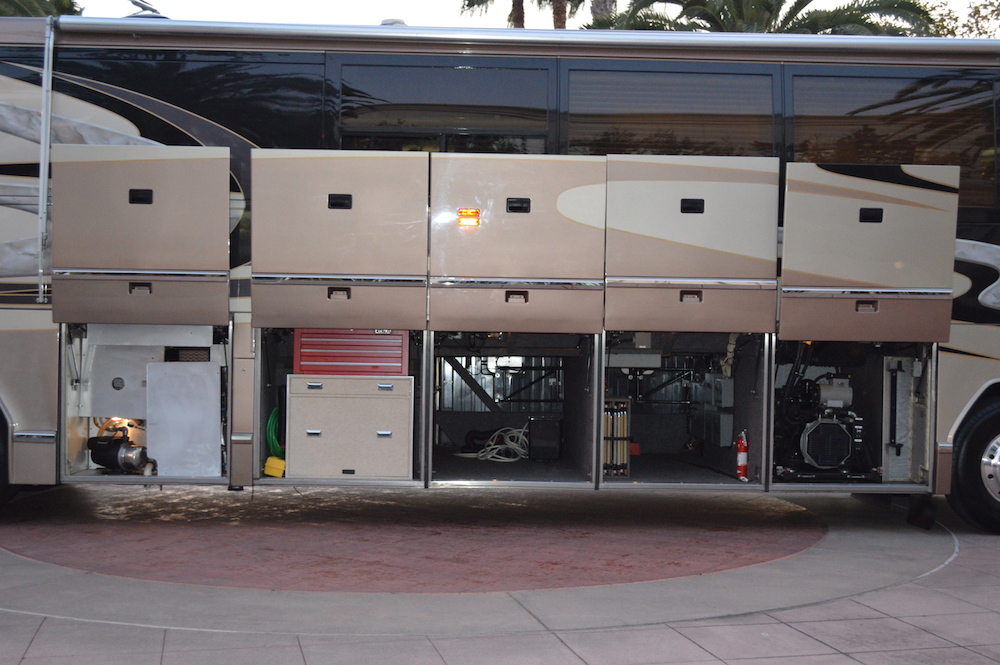 2000 Prevost Marathon H3-45 For Sale