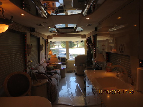 2001 Prevost Country Coach XLII For Sale