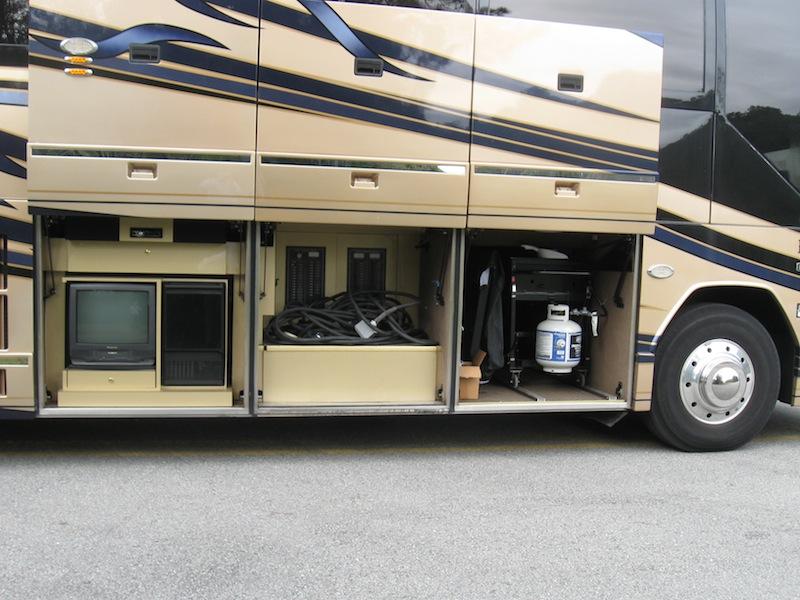 2002 Prevost Custom Coach H3 45non Slide