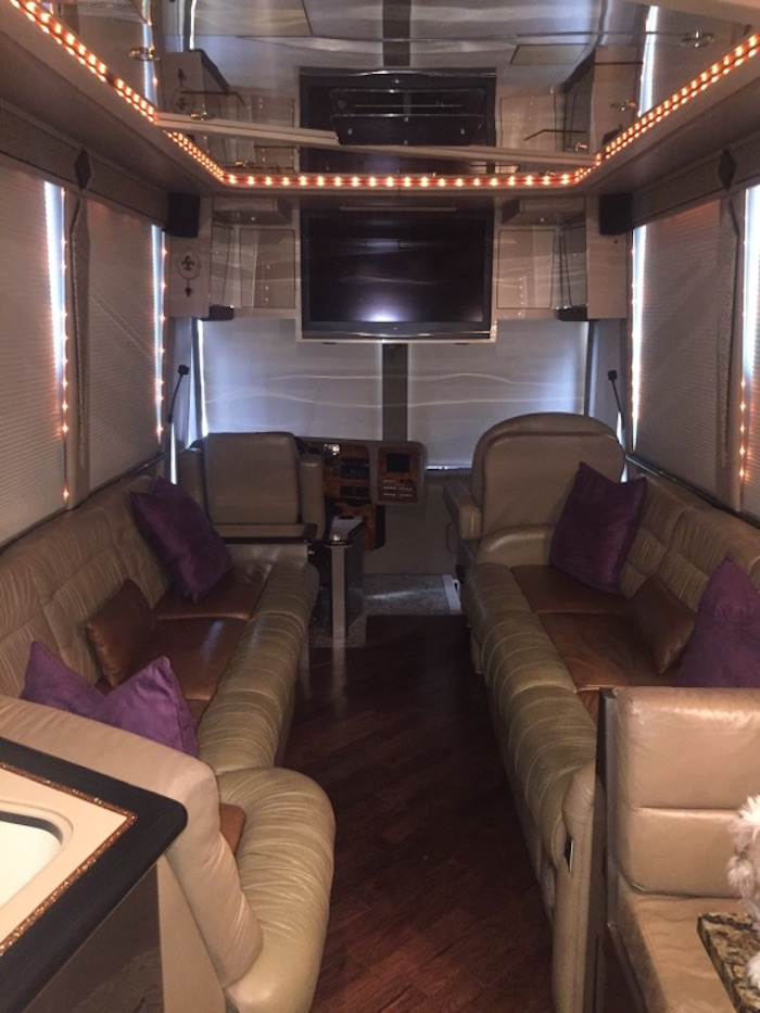 2002 Prevost Featherlite XLII For Sale