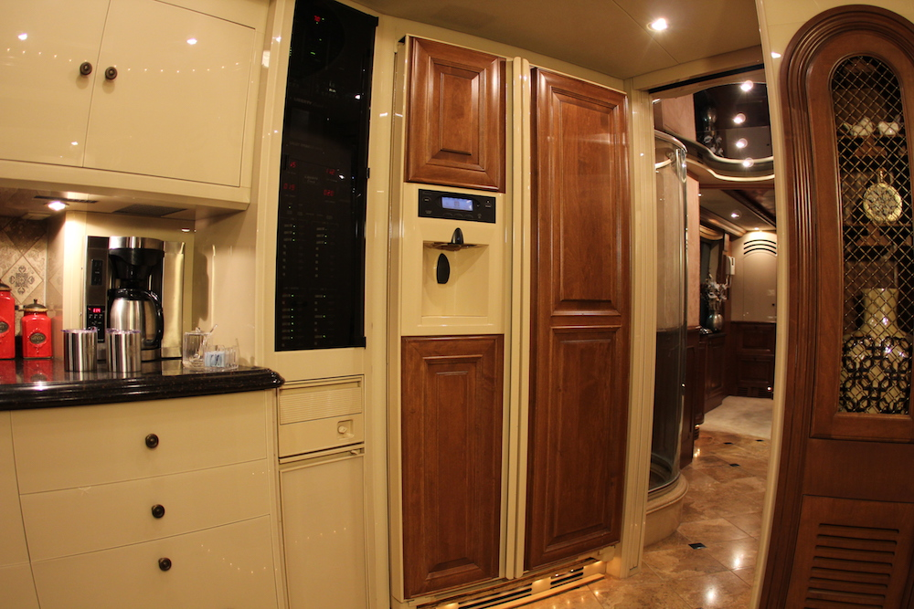 2004 Prevost Liberty H3-45 For Sale