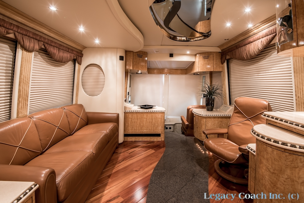 2004 Prevost Parliament H3-45 For Sale