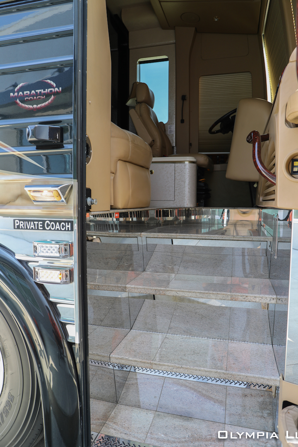 2005 Prevost Marathon XLII For Sale