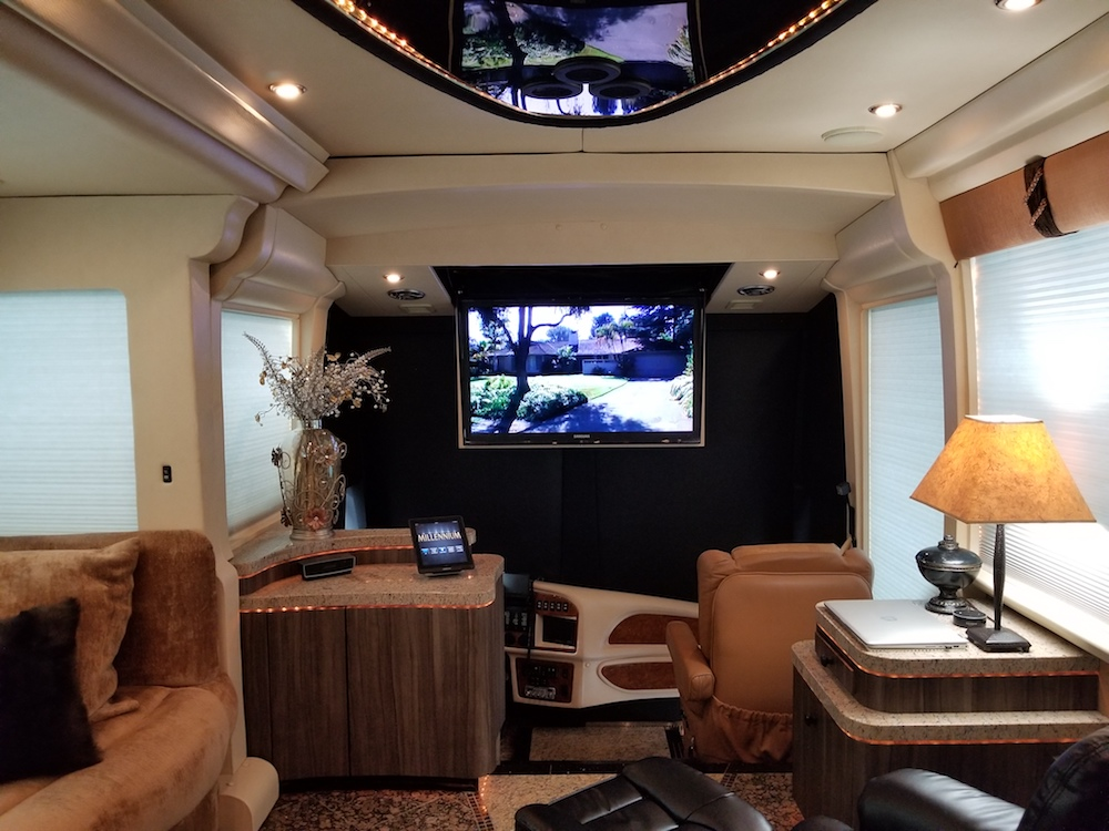 2005 Prevost Millennium H3-45 For Sale