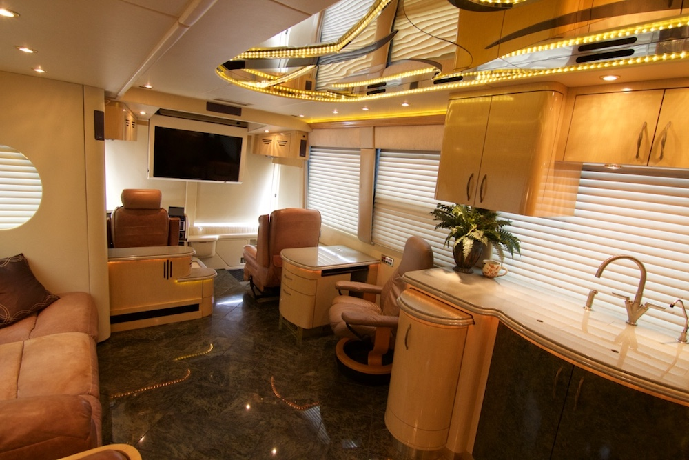 2005 Prevost Parliament XLII For Sale