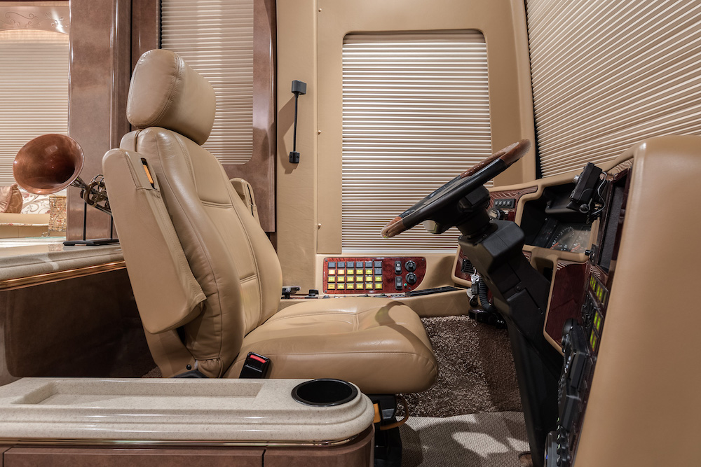 2006 Prevost Marathon XLII For Sale