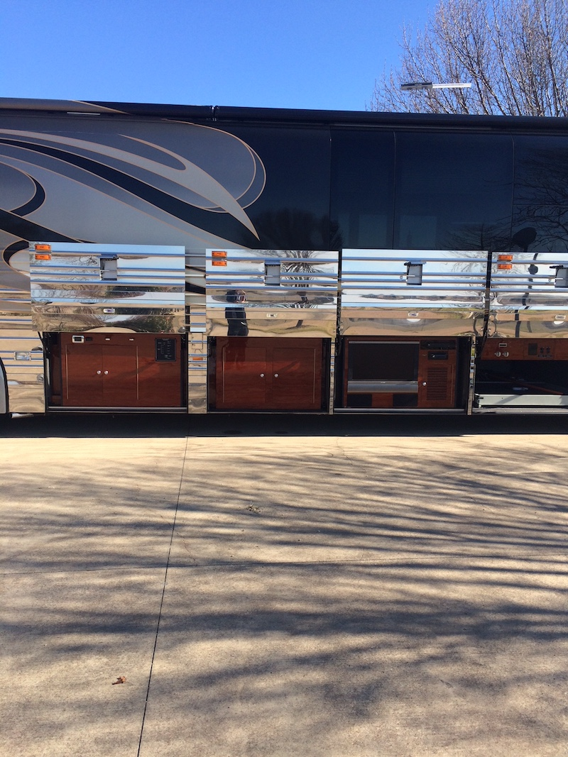 2007 Prevost Outlaw XLII For Sale