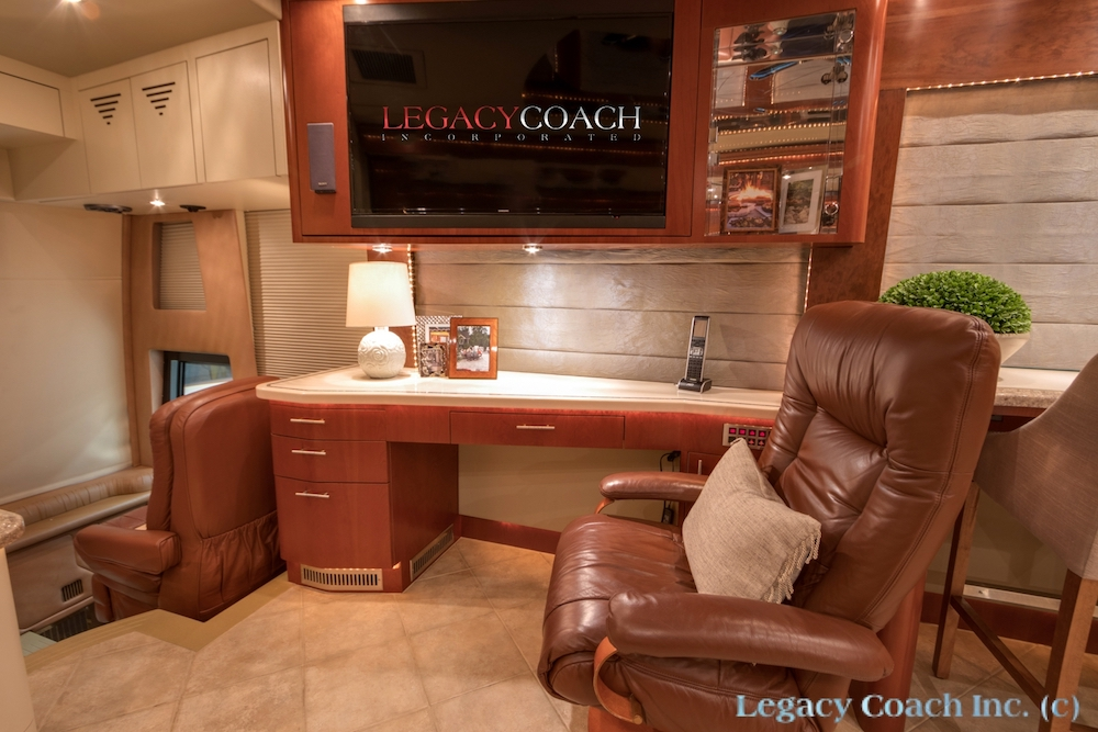 2007 Prevost Parliament H3-45 For Sale