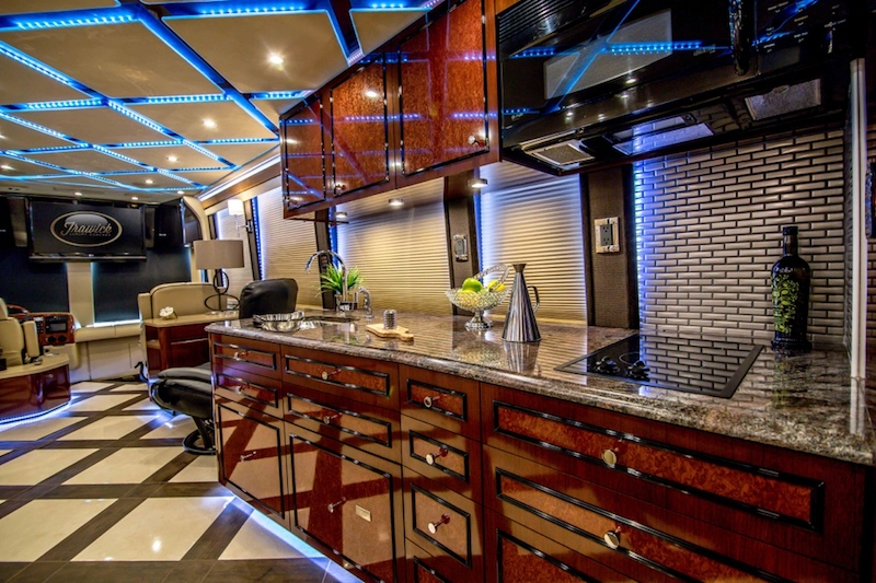 2008 Prevost Amadas XLII For Sale