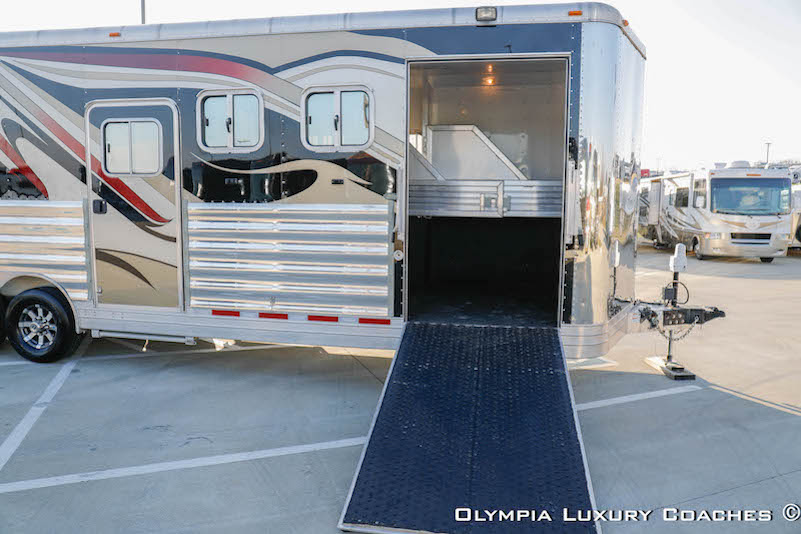 2011 Prevost Featherlite Trailer For Sale