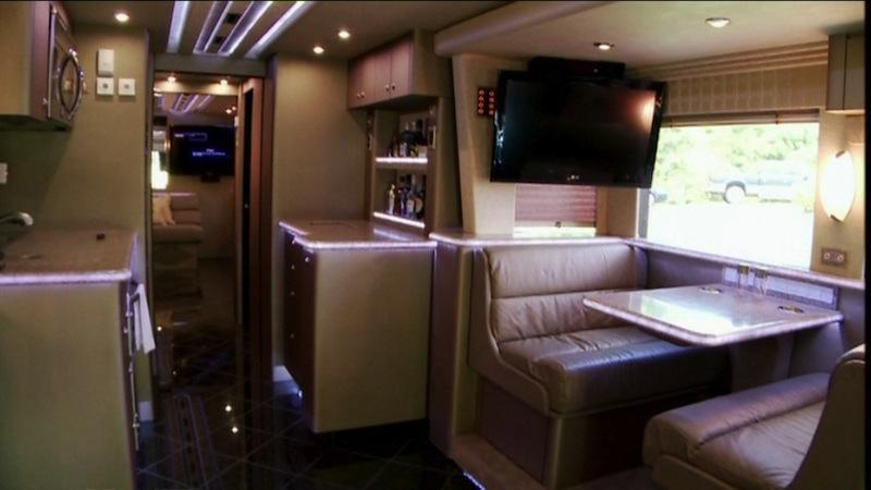 2012 Prevost H3-45 VIPTriple Slide