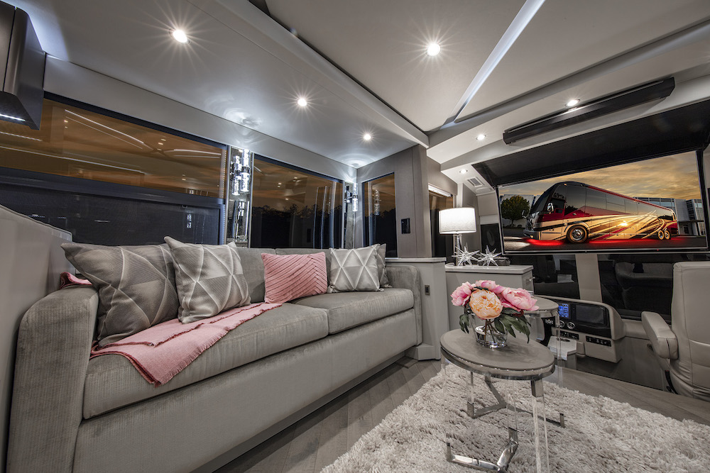 2020 Prevost Featherlite H3-45 For Sale