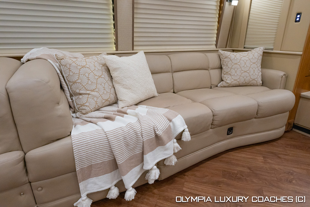 2006 Prevost Royale XLII For Sale